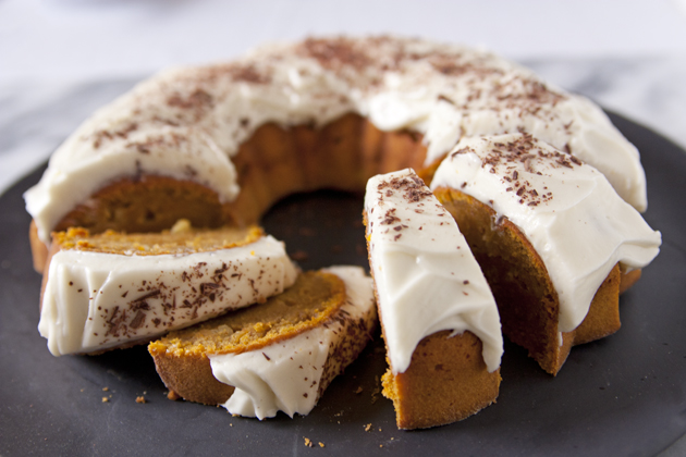 Pumpkin-Carving Party with Pumpkin and Apple Cake