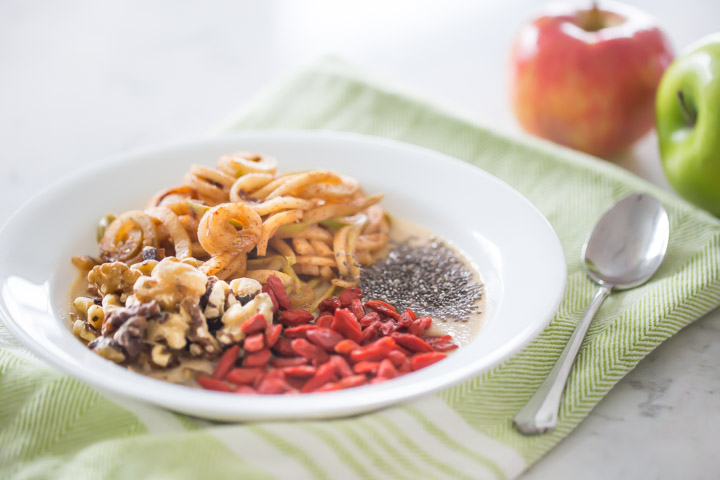 Spiralized Apple Pie Smoothie Bowl Recipe