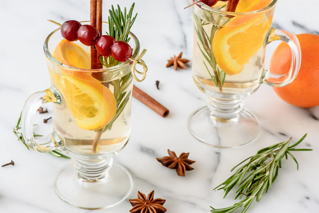 Slow Cooker White Mulled Wine