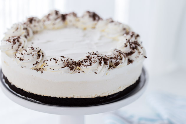 Irish Cream Cheesecake with Mint Chocolate Crust