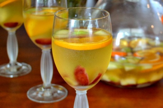 Celebrate Fall with a Sangria and Cocktail Party