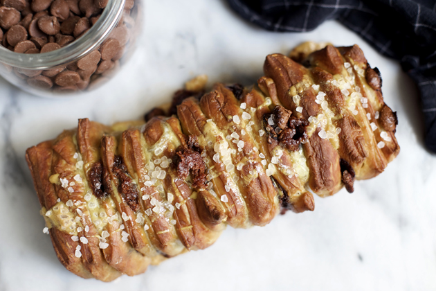 Mashup: Soft Pretzel Chocolate Chip Pull Apart Bread Recipe
