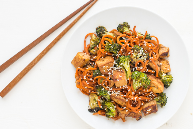 Spiralized Sesame Carrot Tofu Stir Fry